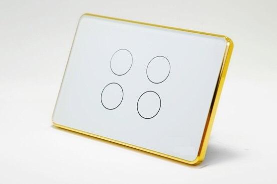 Công tắc cảm ứng thông minh 4 nút, bật tại nhà như công tắc thông thường với cảm ứng điện dung rất nhạy, và an toàn tuyệt đối với mặt kính đen hoặc trắng